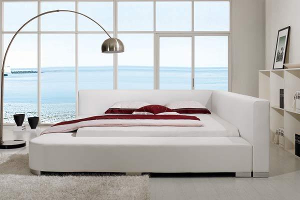 Plateau Polsterbett aus Kunstleder in weiß oder schwarz kaufen